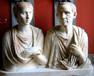 Roman couple in the Vatican Museums